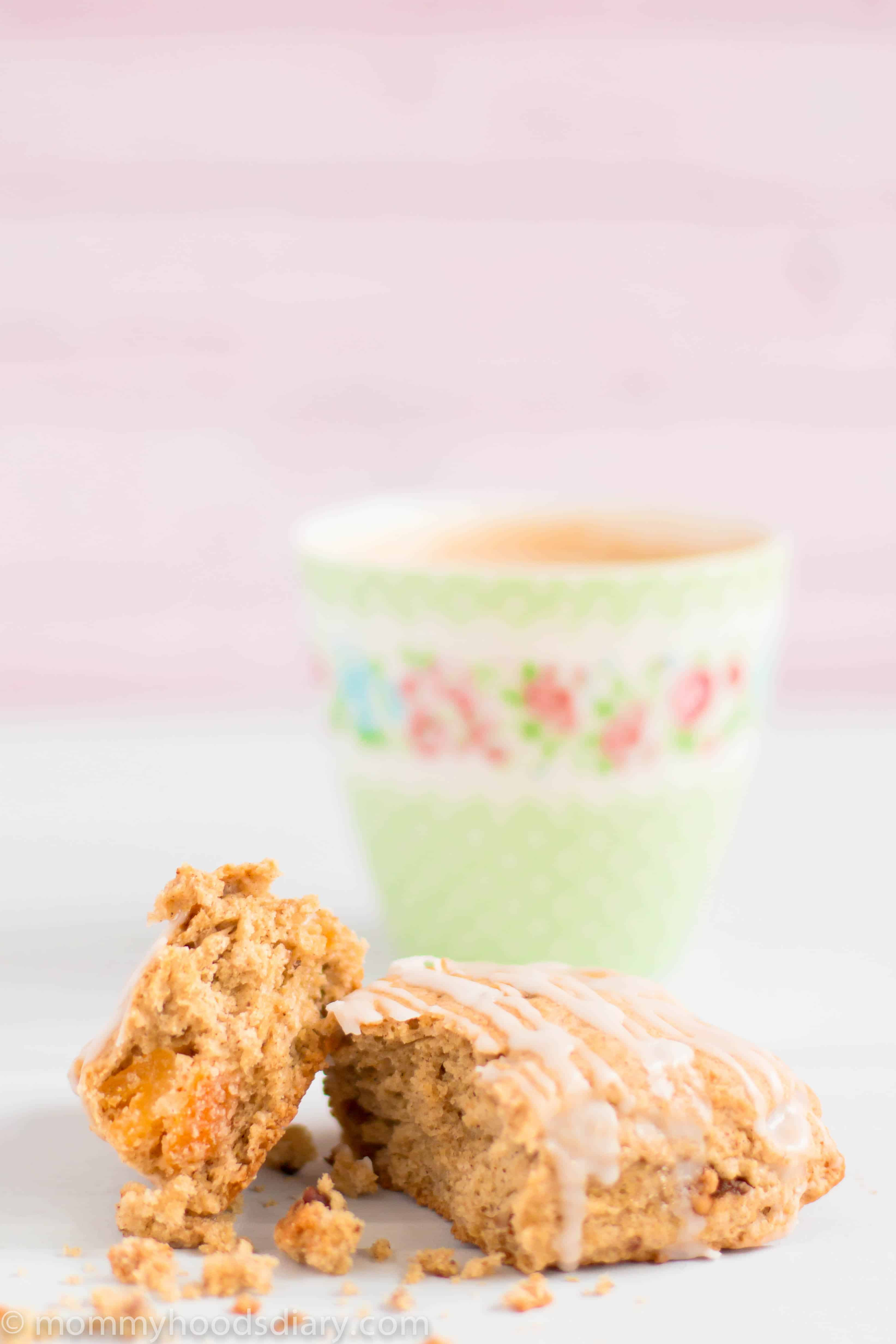 These Gingerbread Apricot Scones are simply delicious!! They're delicate, flaky, lightly sweet and full of all the cozy holiday's flavors. Perfect with a cup of coffee or tea on a chilly winter morning.  http://mommyshomecooking.com