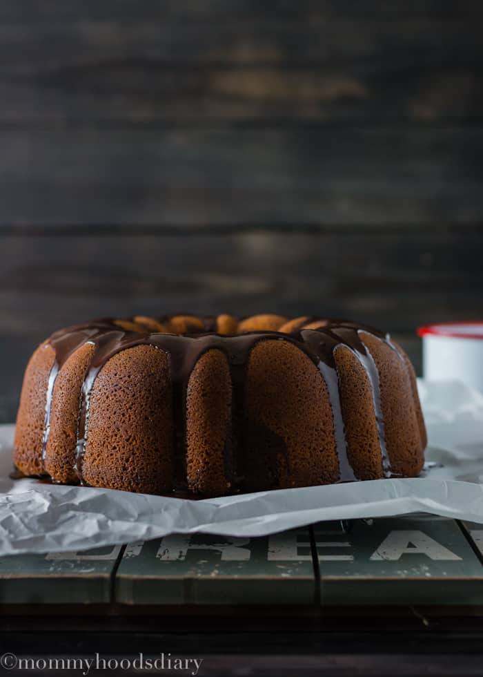 Swirled Chocolate Bundt Cake | mommyshomecooking.com