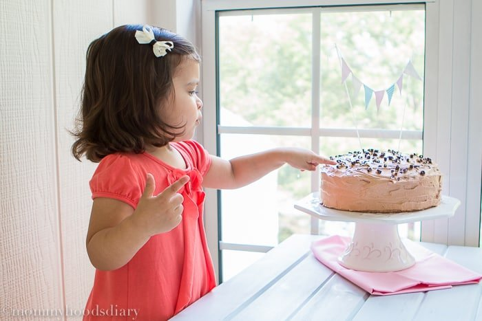 Egg Free Vanilla Cake Recipe | mommyshomecooking.com