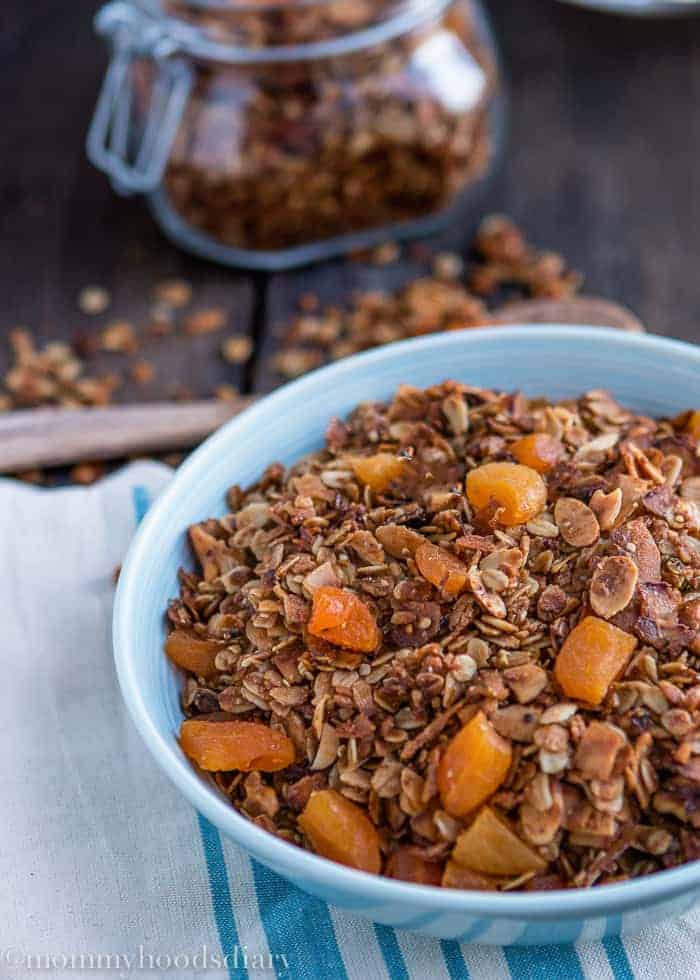 Coconut and Apricot Granola-3
