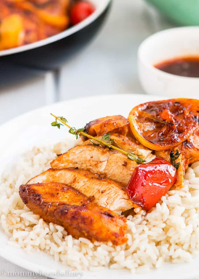 These Easy Peri Peri Chicken Breasts are a tasty, quick and easy dinner that only leaves you with ONE pan to wash! Easy to make, easier to eat! http://mommyshomecooking.com