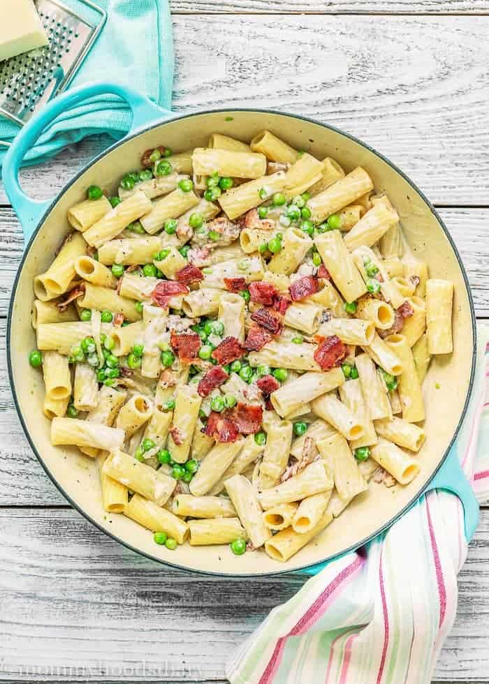 One Pot Creamy Alfredo Rigatoni with Bacon and Peas | Mommyhood's Diary