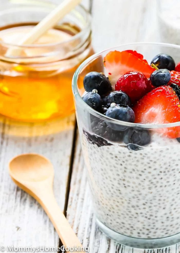 This Honey Coconut Chia Pudding is a truly cupful of sunshine! Perfect as quick and nutritious breakfast, afternoon snack, or healthy dessert. https://mommyshomecooking.com