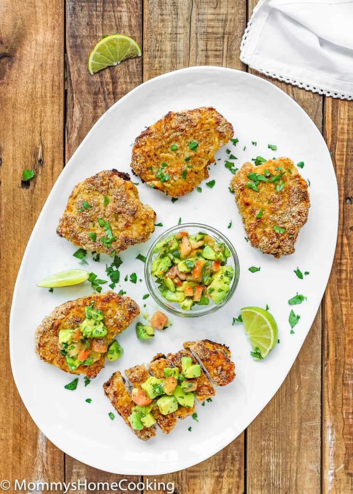 These Low Carb Breadless Skinny Oven Fried Pork Chops are super easy to make and beyond flavorful. It comes together in about 30 minutes, making it a great, and healthy, weeknight dinner. http://mommyshomecooking.com