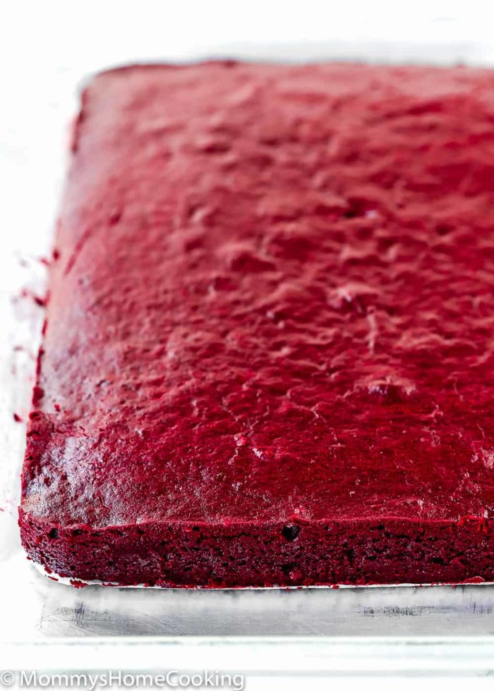 These showstopper Eggless Red Velvet Brownies are the perfect excuse to indulge! Über-rich and decadent, these reddies are super simple to make and easy to decorate. http://mommyshomecooking.com