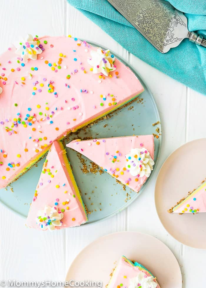 This super easy No Bake Easter Cheesecake is rich, dense, creamy, and smooth! Perfect for your Easter celebration, or any occasion your sweet tooth desires! http://mommyshomecooking.com