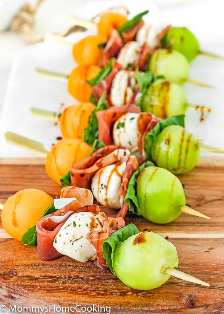 These Prosciutto Melon Skewers are sweet, salty, and tangy all in one. They come together in minutes and are delish. Perfect appetizer recipe for an al fresco summer gathering! http://mommyshomecooking.com