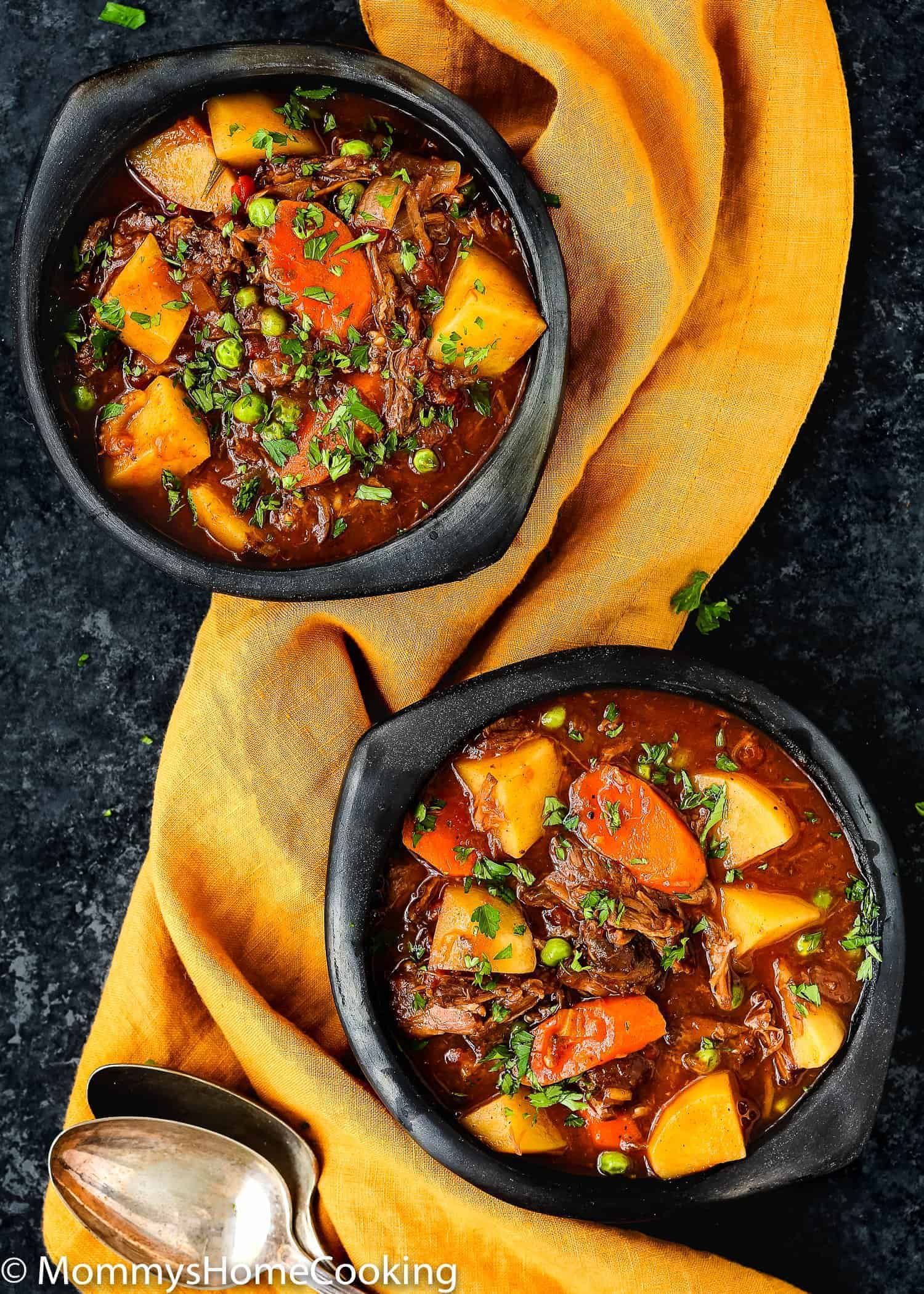 This Slow Cooker Oxtail Stew is hearty, mouthwatering and incredibly tender! Yes, Oxtail!! Are you intrigued? Keep reading to see how you can turn this underrated cut of meat in the most delicious beef stew ever. Melt-in-your-mouth beef loaded with potatoes, carrots, and peas, all smothered in an incredibly tasty stew broth, this Slow Cooker Oxtail Stew is a comforting, delicious meal any day of the week. http://mommyshomecooking.com
