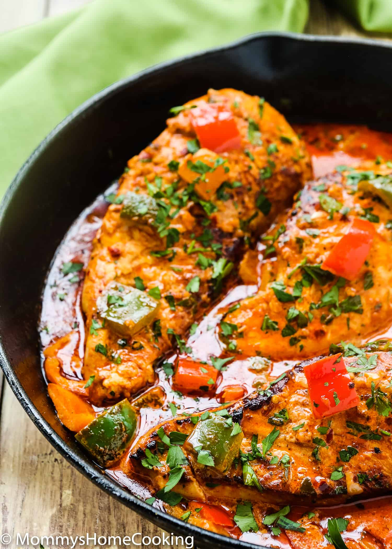This Creamy Peri Peri Chicken is zesty, succulent, and easy to pull off. A simple weeknight dish, yet fancy enough to wow your guests at any gathering. http://mommyshomecooking.com
