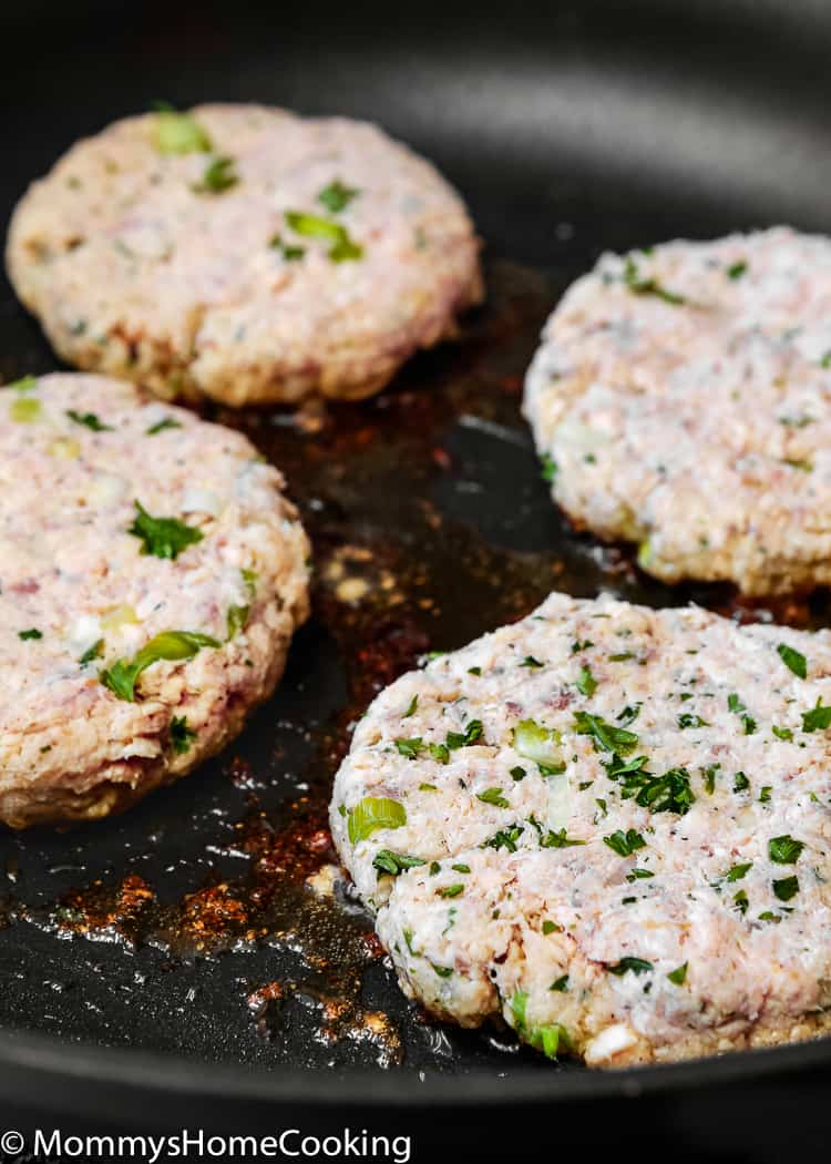 These Easy Eggless Salmon Patties are juicy, moist, flavorful, and super easy to make!! They come together in about 30 minutes. Whole-30 and Keto friendly. http://mommyshomecooking.com