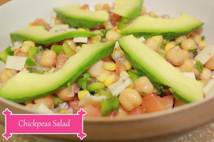 Chickpeas salad with avocado