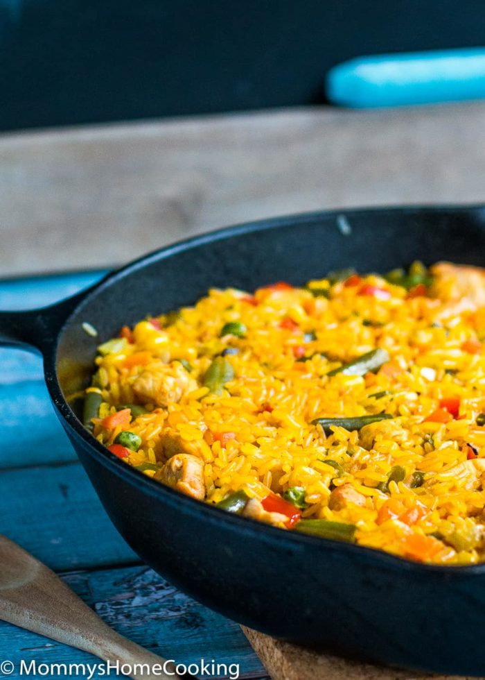 Chicken with rice spanish style mommys home cooking this chicken with rice spanish style is a burst of mouthwatering flavors with each bite ccuart Choice Image