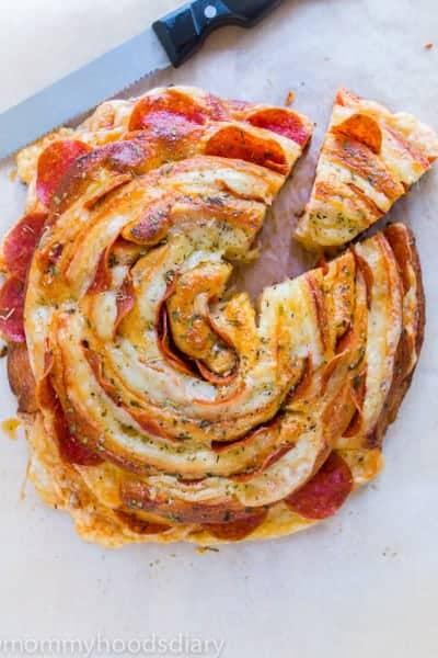 Espiral de Queso Suizo y Pepperoni