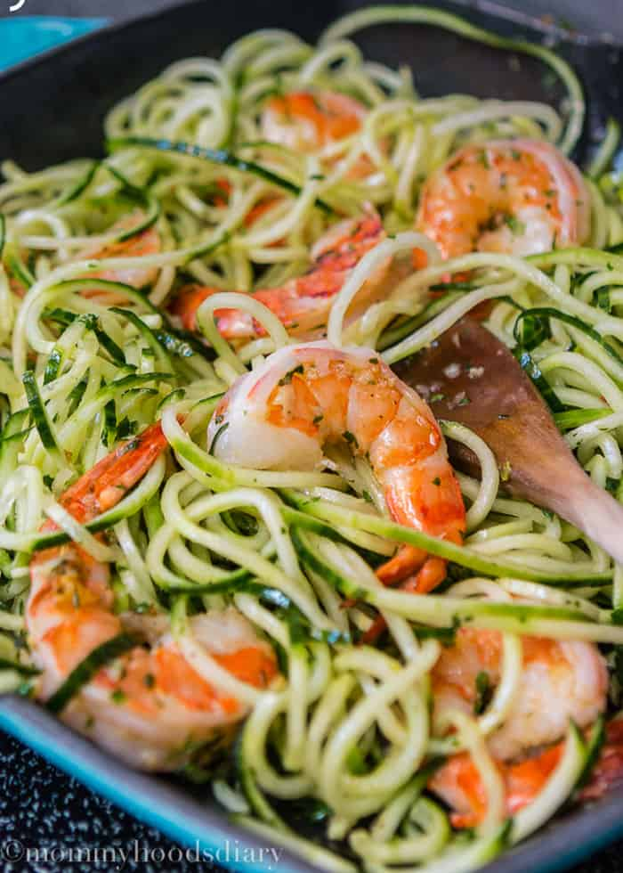 Cucumber-Noodles-with-Garlic-Shrimp-4