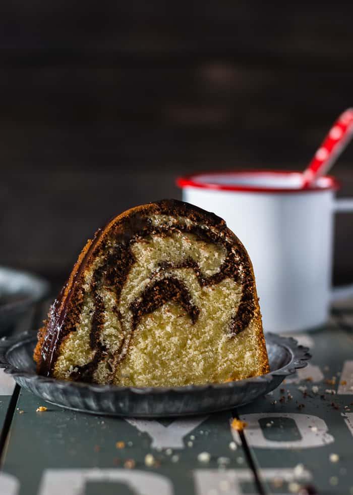Chocolate Vanilla Marble Bundt Cake | mommyshomecooking.com