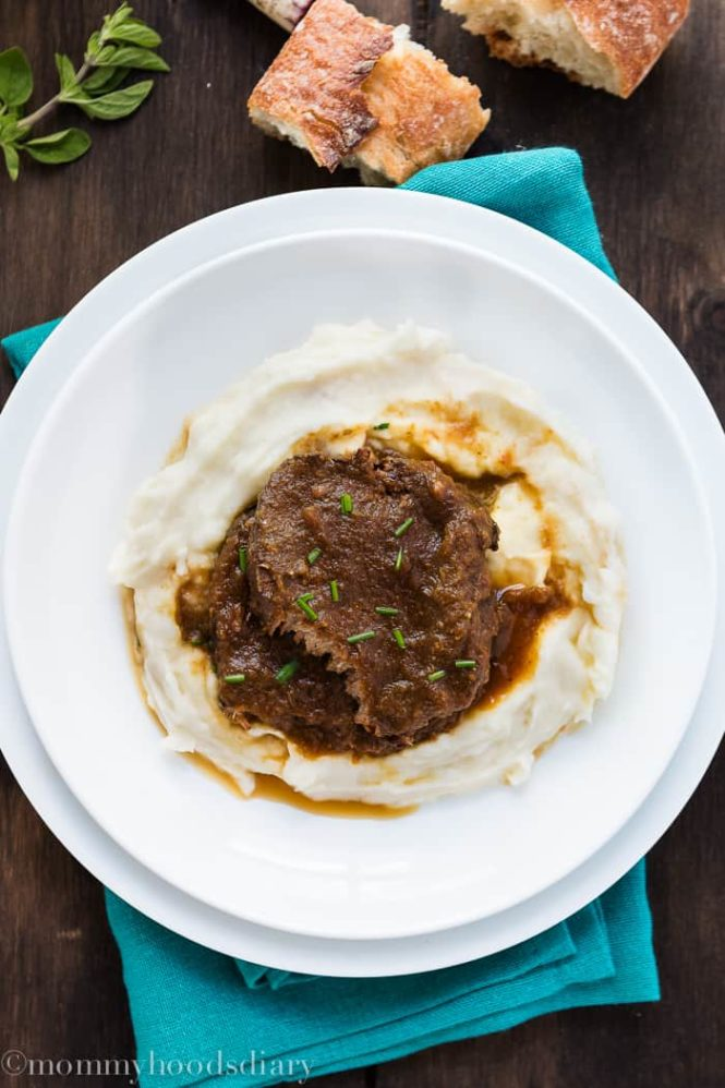 Venezuelan Asado Negro -Perfect Eye of Round Roast cooked in a flavorful wine broth until the beef is meltingly tender and divine. https://mommyshomecooking.com