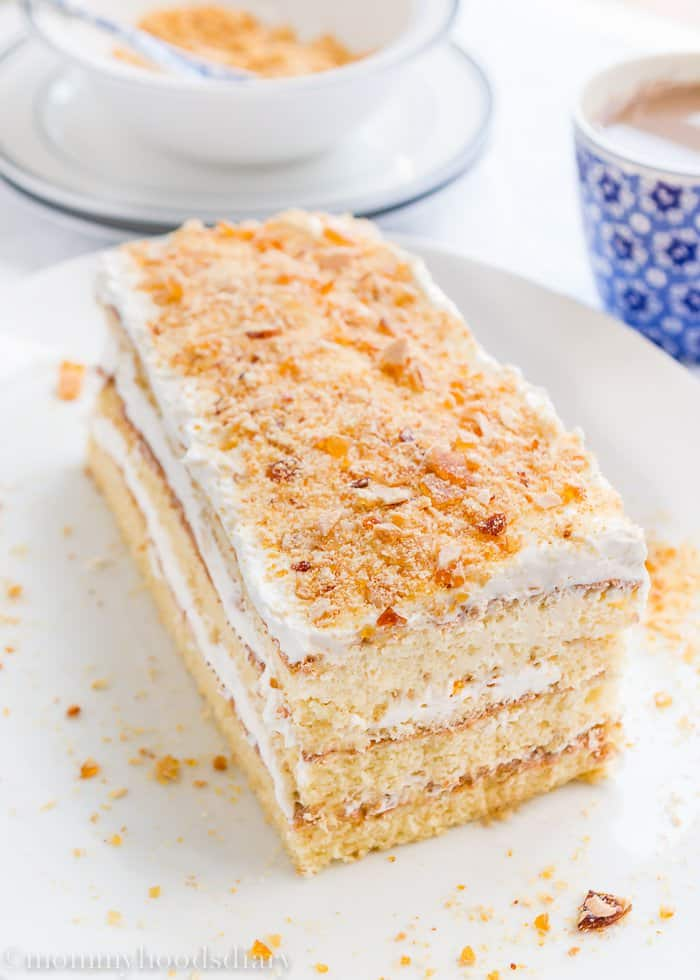 Honey Sponge Cake with Lemon and Almond Praline -10