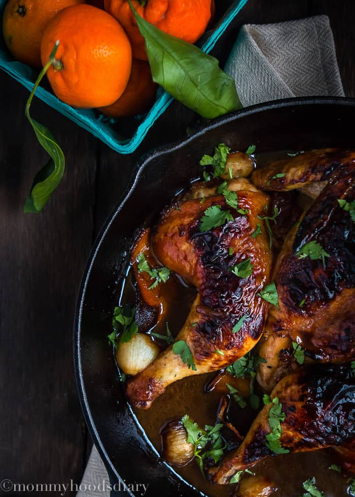 Honey Mandarin Roasted Chicken - An unbelievable juicy, tender and delicious chicken perfect for a weeknight dinner, ready in less than 40 minutes! https://mommyshomecooking.com