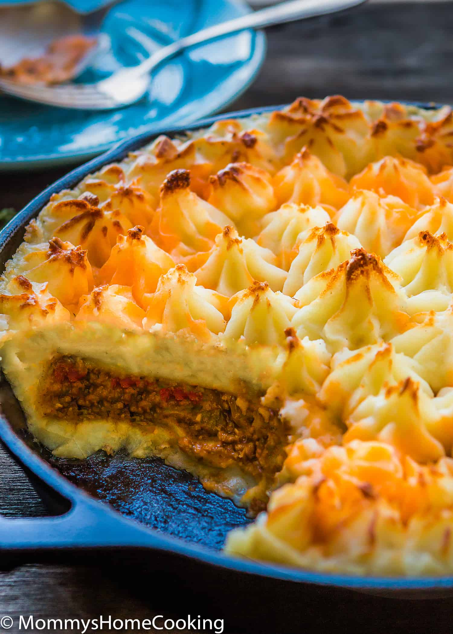 This Easy Shepherd's Pie recipe is a complete, comforting, and scrumptious meal full of flavor! Made from scratch with Parmesan mashed potatoes and baked to perfection. https://mommyshomecooking.com