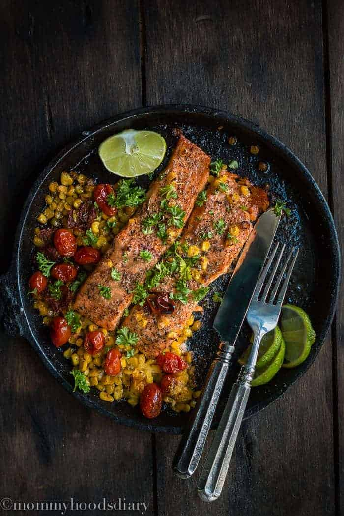 Salmon with Roasted Tomatoes and Corn-Salmon with Roasted Tomatoes and Corn is an effortless dinner that the whole family will love! Picky eaters approved. https://mommyshomecooking.com