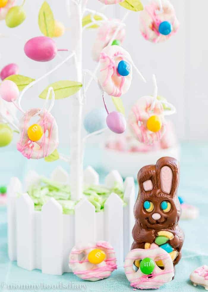 Easter Yogurt Covered Pretzels | Mommyhood's Diary