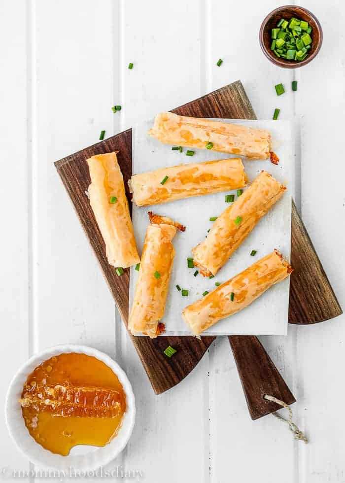 Cheese and Prosciutto Phyllo Rolls-1