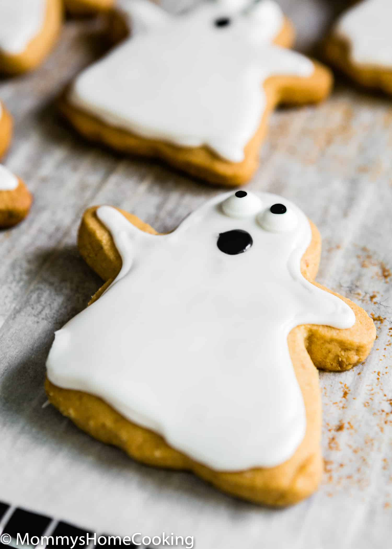 These 3-Ingredient Eggless Peanut Butter Halloween Cookies are easy to make and delicious! These cookies really do melt in your mouth. A peanut butter lover's heaven!  https://mommyshomecooking.com