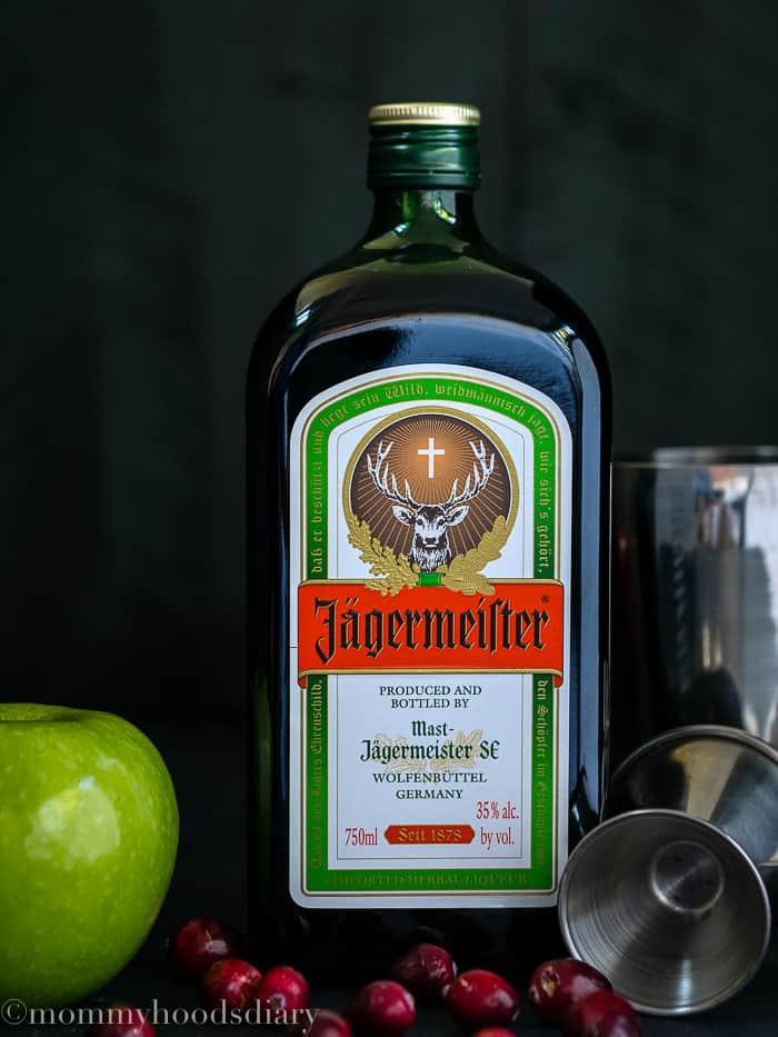 Apple Cranberry Caramel Cocktail-3