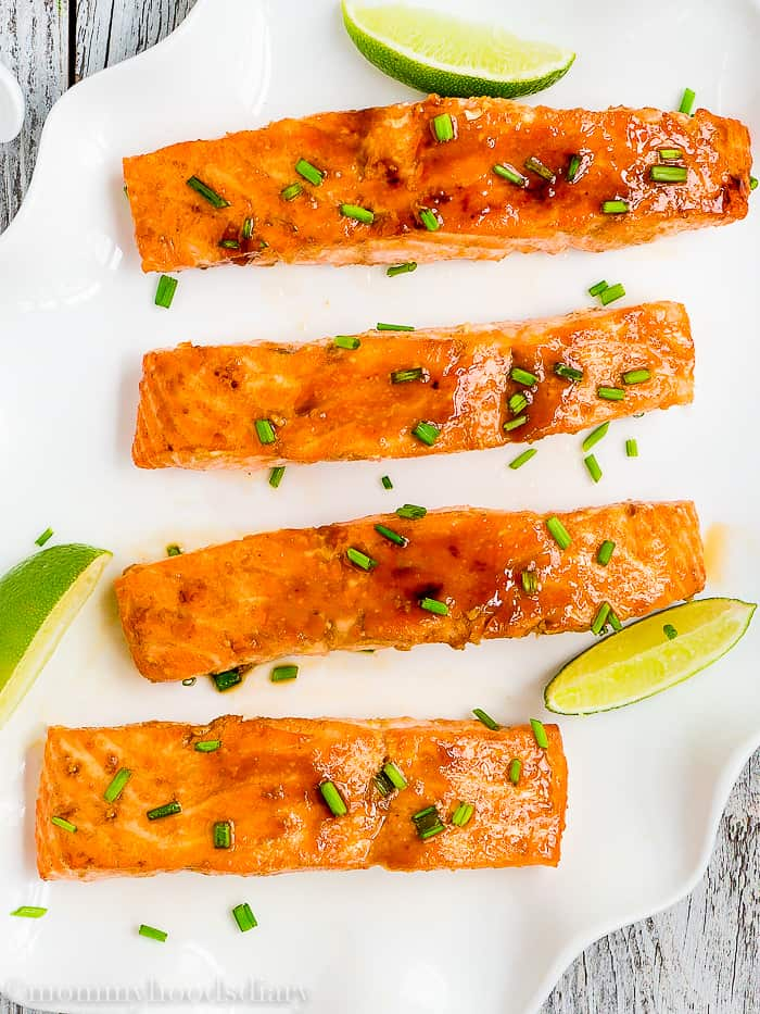 This easy 20-minute Skinny Glazed Salmon will soon be a favorite in your family table! It's easy to make with only 5 ingredients. https://mommyshomecooking.com