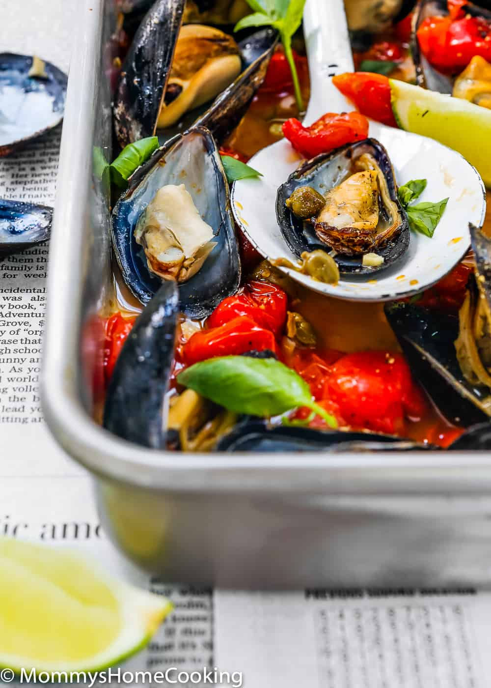 Easy Baked Spicy Mussels close-up
