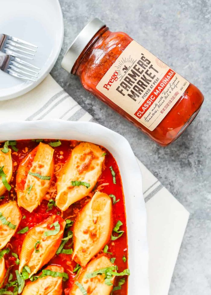 These Eggless Pumpkin Ricotta Stuffed Shells are a quick weeknight dinner the entire family will devour!! This recipe will make our busy lives just a little more manageable during the 5'clock craze. Plus, they are DELICIOUS! https://mommyshomecooking.com
