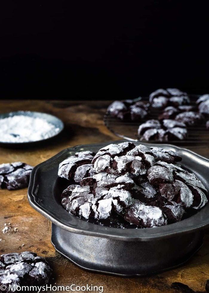 Eggless Chocolate Crinkle Cookies-3