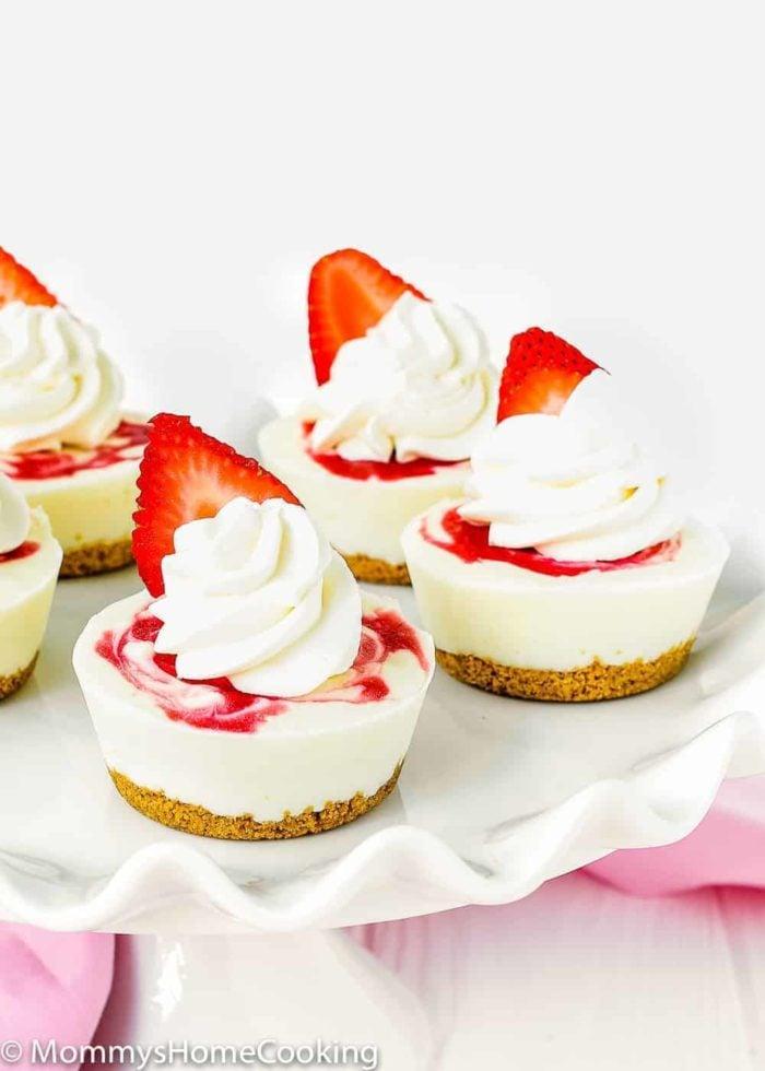 NO BAKE Mini Greek Yogurt Strawberry Cheesecakes