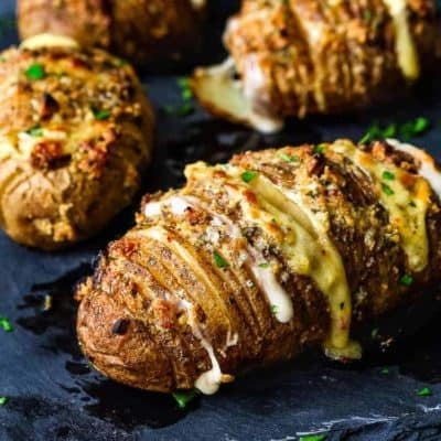 Easy Cheesy Garlic Hasselback Potatoes