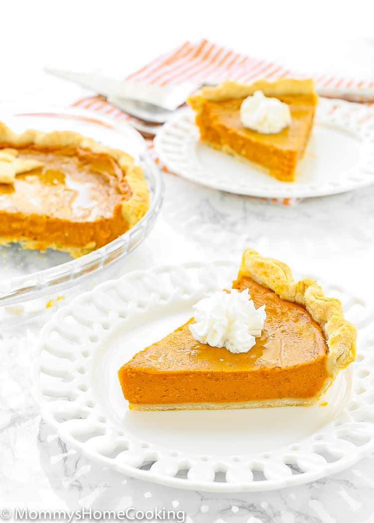 Easy Eggless Pumpkin Pie slice in a plate.