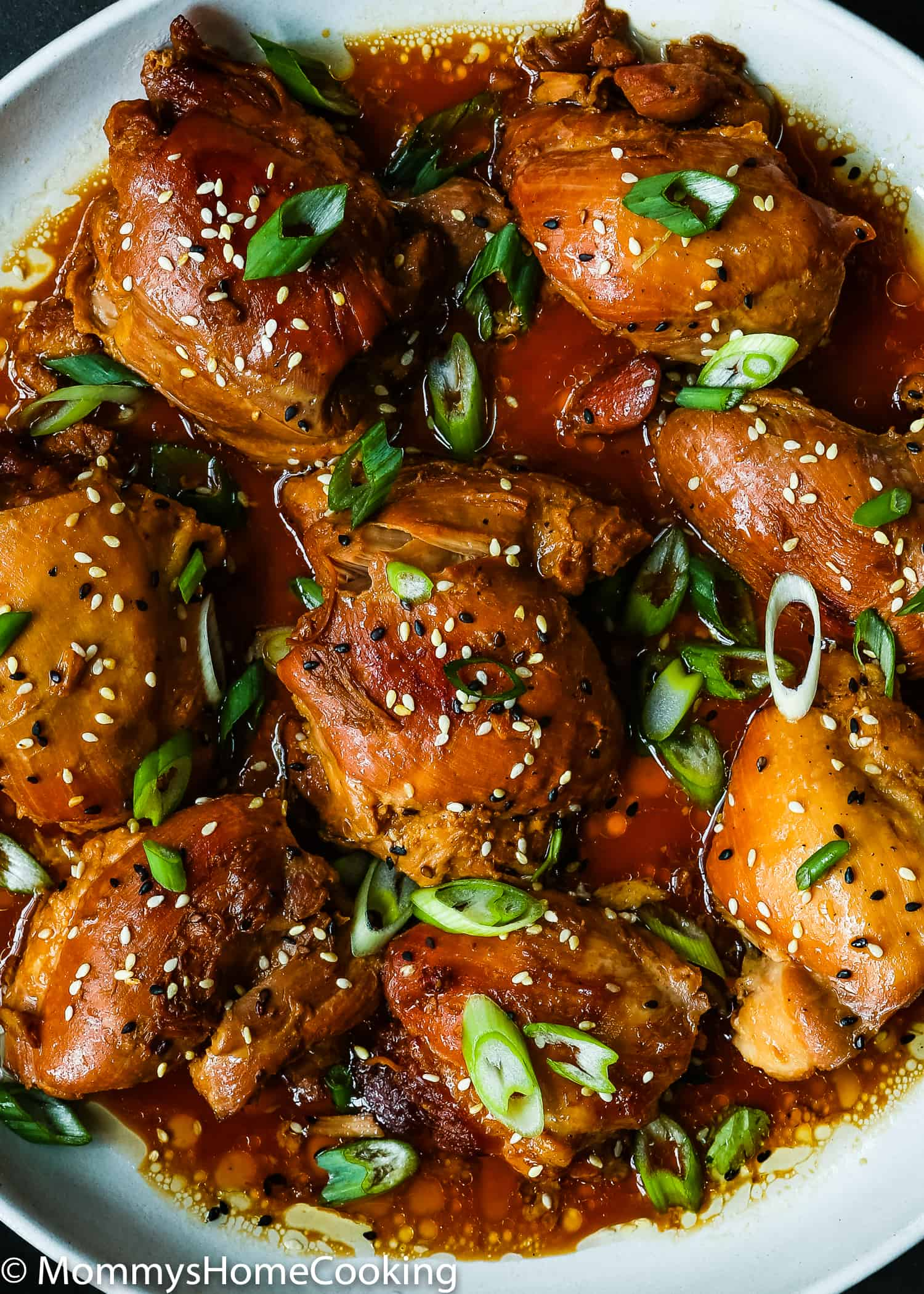 This Easy Instant Pot Teriyaki Chicken recipe is perfect for your weeknight's dinner repertoire! Easy to make with just a few ingredients, this flavorful chicken will quickly become a family favorite. https://mommyshomecooking.com