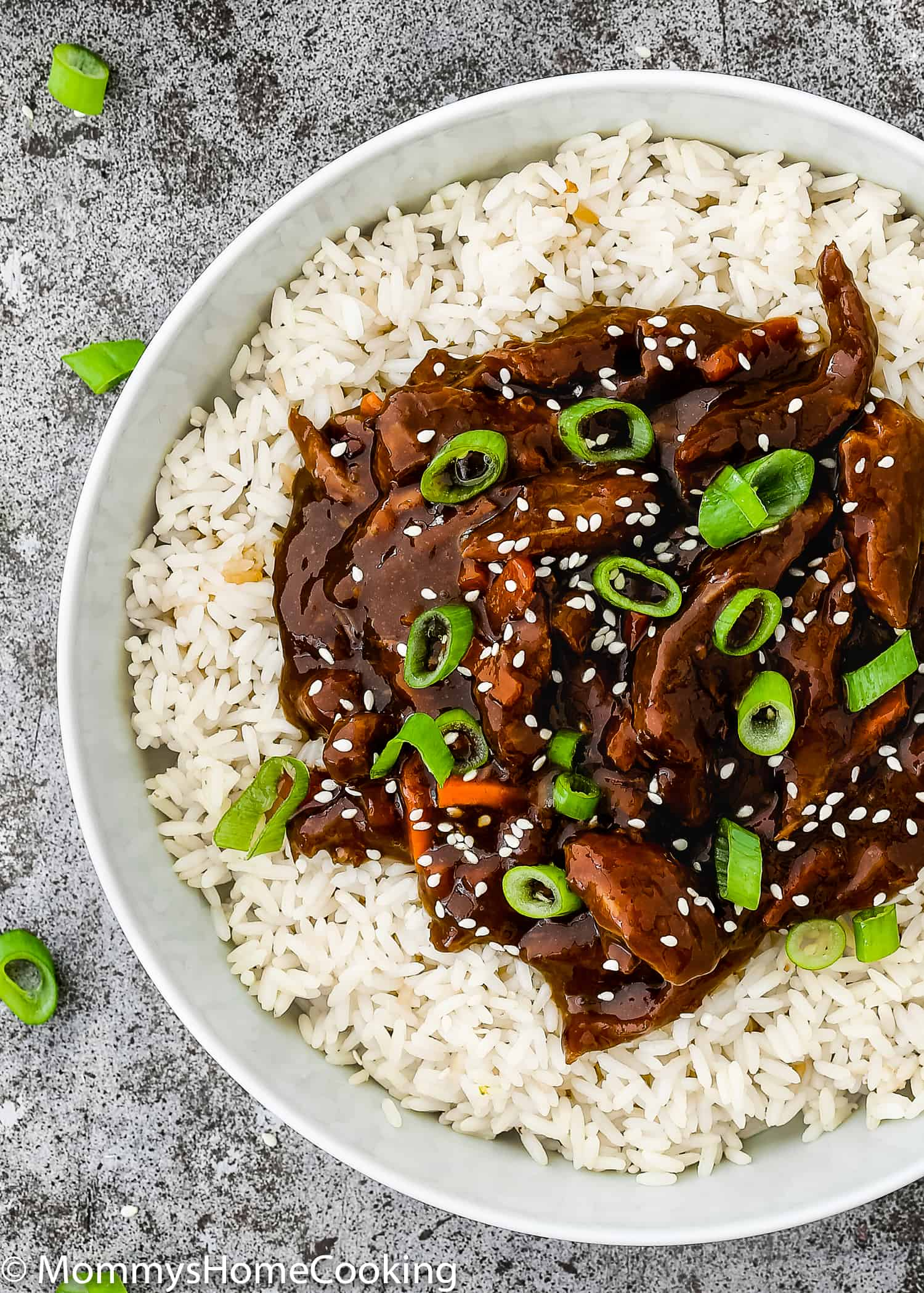 This Easy Instant Pot Mongolian Beef recipe is full of all the flavors you love from your favorite Chinese restaurant. Tender beef smothered in a super tasty sauce that is ready in 30 minutes or less. https://mommyshomecooking.com