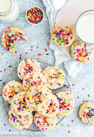 Eggless Funfetti Cookies with two glasses of milk