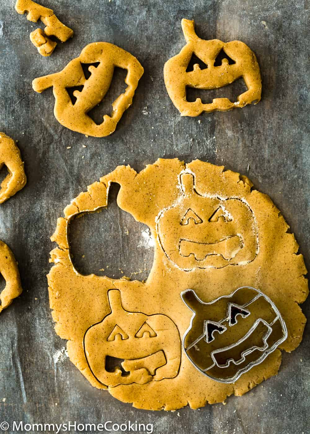 eggless cooking dough to make halloween cookies