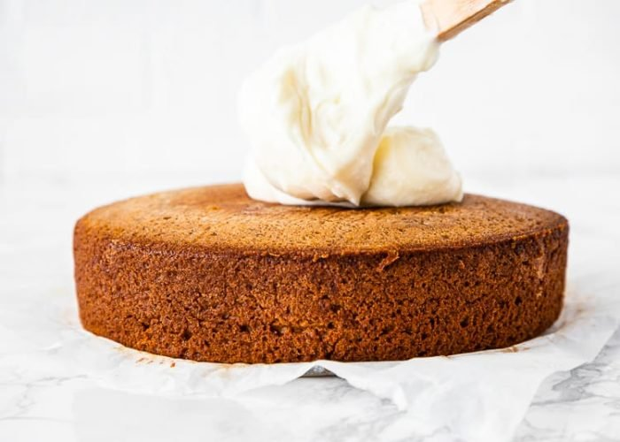 how to frost a eggless banana cake step 2