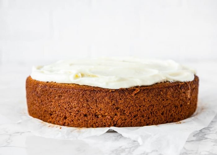 how to frost a eggless banana cake step 3