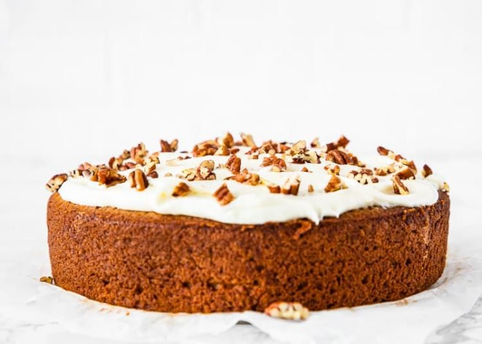 how to frost a eggless banana cake step 4