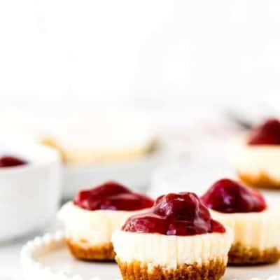 Easy Eggless Mini Cheesecakes