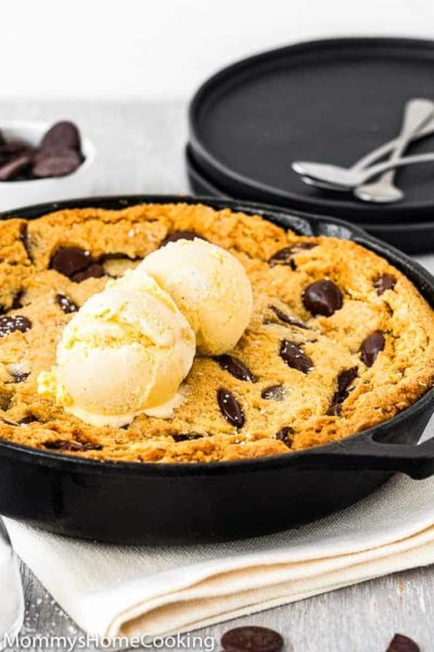 Eggless Chocolate Chip Skillet Cookie with ice cream