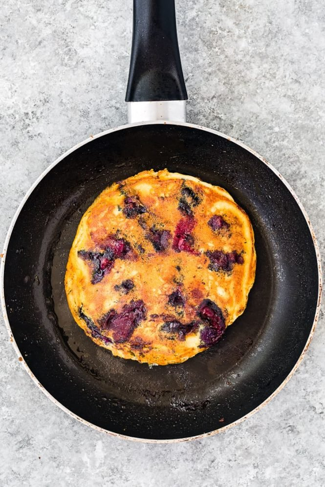 How to make Easy Eggless Blueberry Pancakes step 7