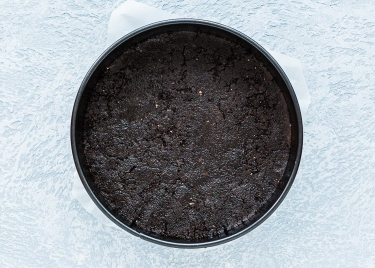 how to make oreo crust for cheesecake step 4