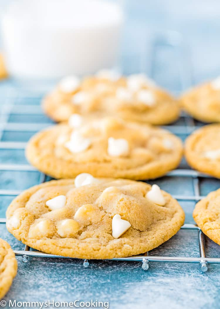 Eggless White Chocolate Chips Cookie