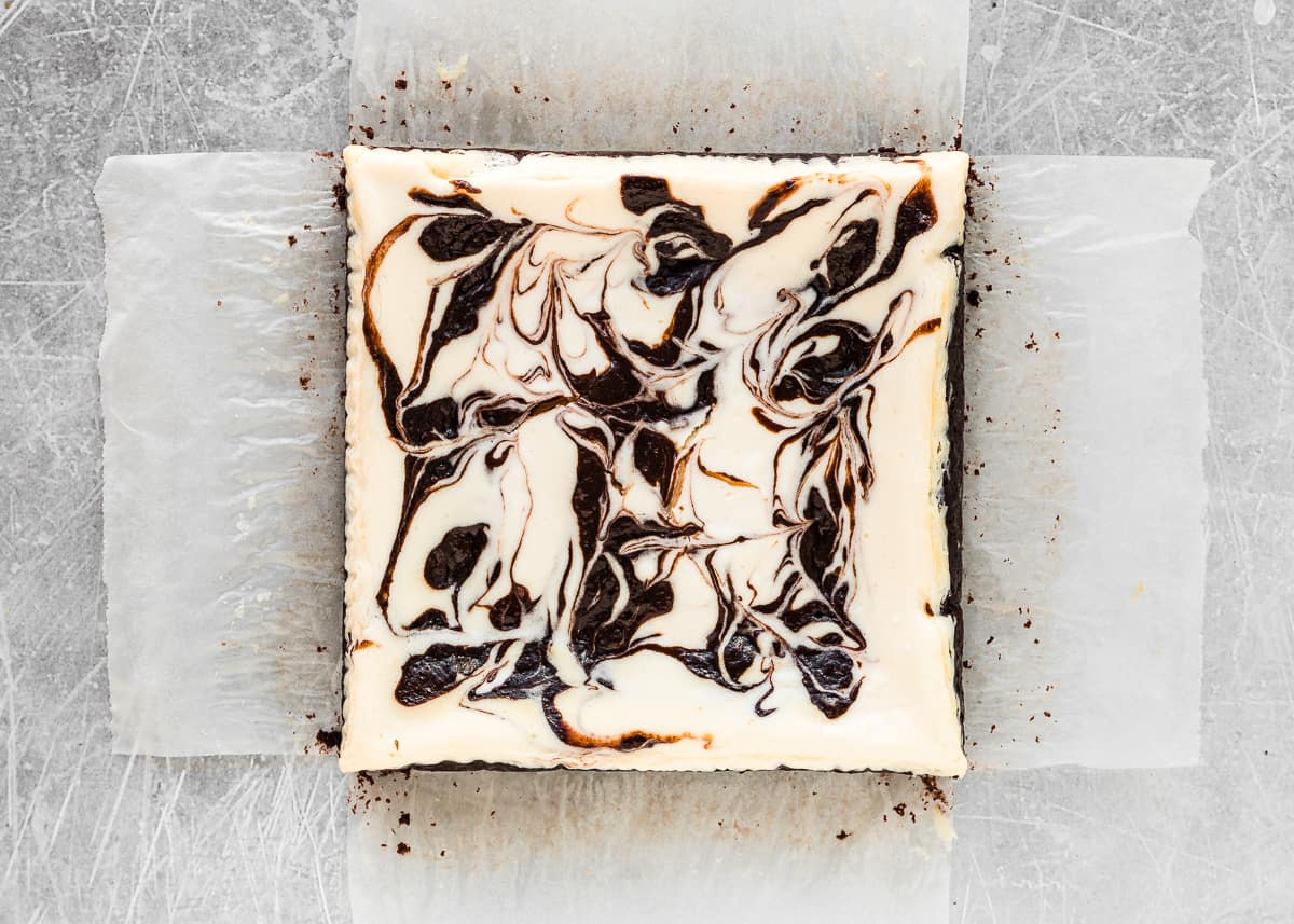 How to assemble eggless cheesecake brownies step 7